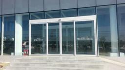 مزیتهای دربهای شیشهای اتوماتیک (پارت اول)