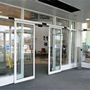 طراحی انواع درب های شیشه ای